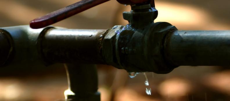 Cómo detectar fugas en las tuberías gracias a los contadores de agua
